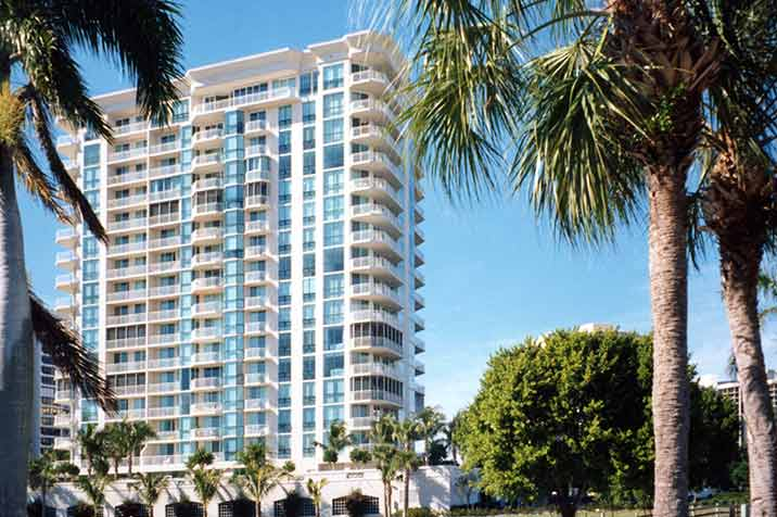 Bay-Shore-Place condominiums