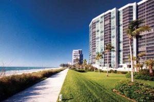 Vistas condominium community, Vistas Park Shore, waterfront view in Naples, FL