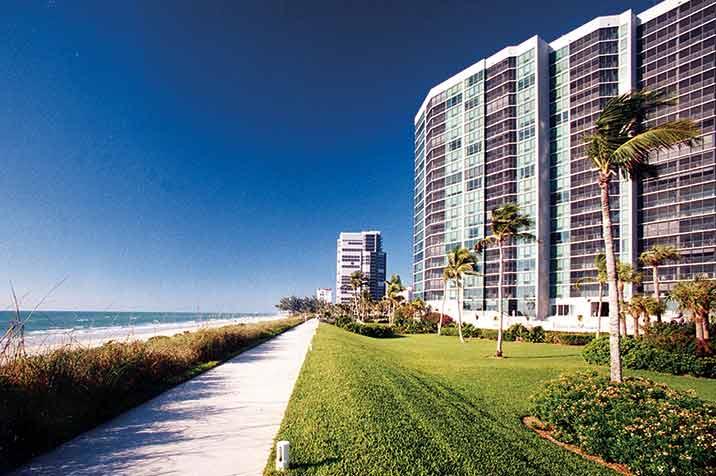 Vistas Park Shore waterfront condos in Naples, FL