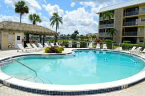 harbour cove condominiums Naples FL