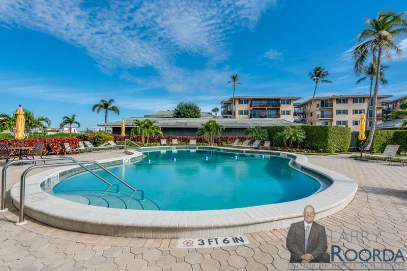 3410-gulf-shore-blvd-303-naples-fl-34103-pool