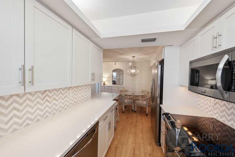 2900-gulf-shore-blvd-n-115-naples-fl-34103-kitchen-2